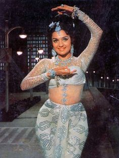 Retro Bollywood (Search results for: Asha parekh) Bollywood Stars, Bollywood Bikini, Beautiful Bollywood Actress, Beautiful Indian Actress, Beautiful Actresses, Vintage Bollywood, Bollywood Outfits, Bollywood Fashion, Hollywood Actress Pics