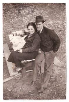 Mother's Day Story, Vintage Romance, Antique Shops, Minnesota, Scene, Couple Photos, Couple Shots, Antique Stores, Couple Photography