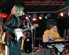 Duo many years ago Robyn Fear with great singer songwriter Beverly McClellan. Band Posters, Musicals, Bands, Singer, Pictures, Photos, Singers, Photo Illustration, Band