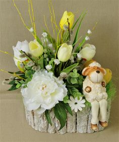 1 million+ Stunning Free Images to Use Anywhere Easter Flower Arrangements, Easter Flowers, Flower Vases, Creative Crafts, Diy And Crafts, Free To Use Images, Diy Easter Decorations, Button Crafts, Easter Wreaths