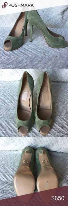 ROGER VIVIER green suede peep toe pumps Stunning green suede pumps. Peep toe front. Slight platform. Literally worn once. Great condition. Made in Italy. Size 37. 1inch platform. 4.5 inch heel. Open to offers! Roger Vivier Shoes Heels