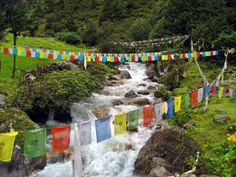 solo kombu nepal meditation retreat center and caves  Prayer flags - isn't it touching to see the presentation of prayers in the breeze?