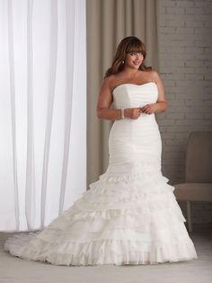 Trumpet/Mermaid Sweetheart Sleeveless Organza Plus Size Wedding Dress