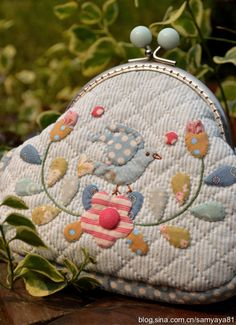 Monedero Japanese Patchwork, Japanese Quilts, Wool Applique, Applique Quilts, Art Fil, Diy Bags Purses, Frame Purse, Sewing Appliques, Japanese Embroidery