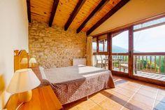 Fotos de Masia LaCoro - Casa rural en La Vall de Bianya (Girona) http://www.escapadarural.com/casa-rural/girona/masia-con-piscina-lacoro/fotos#p=55794e50a14e7