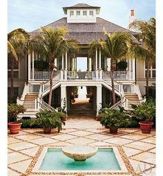 luzury beach house stilts | Beach home, yes please. just 15 or so feet higher...