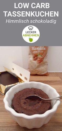 Ein köstlich schokoladiger Low Carb Tassenkuchen, der in wenigen Minuten zubereitet ist. Perfekt, wenn mal wieder etwas Süßes mit wenigen Kohlenhydraten her soll.