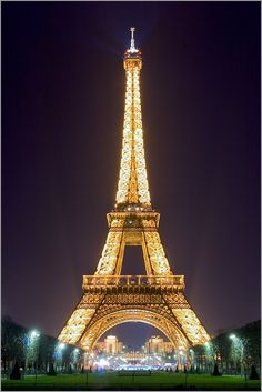 Paris by night #tour #eiffel