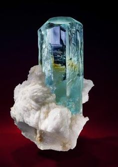 Aquamarine on snow-white Feldspar matrix. | Shigar valley, Skardu District, Baltistan, Northern Areas, Pakistan. | Size: 8.2 x 5.3 x 5.3 cm. | Via Saphira Minerals.