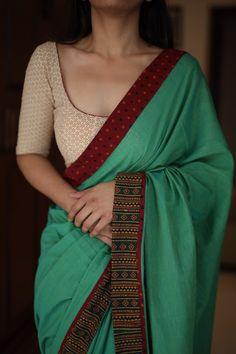 Margazhi Cotton Saree Blouse Designs, Stylish Blouse Design, Sari Blouse Designs, Fancy Blouse Designs, Kurta Designs, Blouse Patterns, Dress Indian Style, Indian Wear, Stylish Sarees