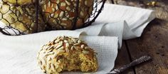 Yösämpylät Tasty, Yummy Food, Caramel Apples, Bread Recipes, Muffin, Breakfast, Desserts, Cupcakes, Muffins