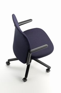 Pacific chair by Barber & Osgerby for Vitra. #Barber&Osgerby #Vitra #chair #office