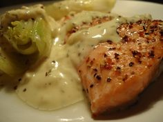 LCHF-bloggen: Ørret med baconostsaus Lchf, Seafood Recipes, Dinner Recipes, Food And Drink, Yummy Food, Fish, Chicken, Meat, Baking