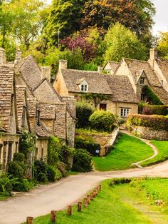 The Most Picturesque Towns and Villages in Gloucestershire|Pinterest:@theculturetrip