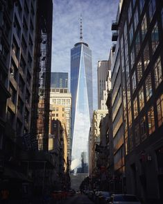 City Weather: Partly cloudy. Currently 70°F | 21°C, high 82°F | 28°C. #nycinstantly
