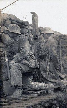 Deutscher Graben an der Westfront 1916