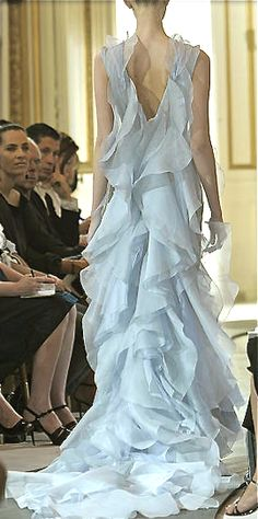love love love cascading ruffles!!!  simply beautiful gown by Tony Ward<3