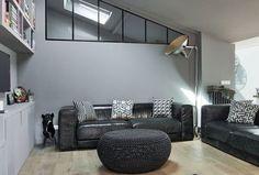 Maison Vanves : un plain-pied de 170 m2 remis à neuf - Côté Maison Transom Windows, Sofa, Couch, Rum, Sweet Home, Study, City, Garden, Furniture