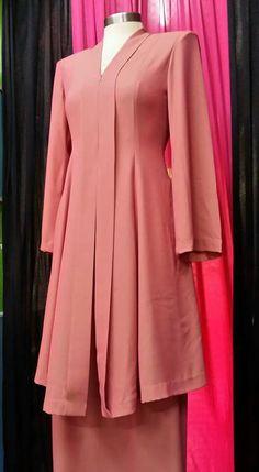 Batik Fashion, Abaya Fashion, Muslim Fashion, Fashion Dresses, Model Kebaya Muslim, Muslim Dress, Kebaya Hijab, Kebaya Dress, Trendy Dresses