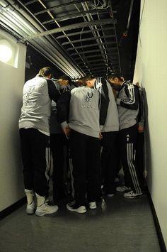 Spurs huddle prior to Game 1. (June 5, 2014 | Miami Heat @ San Antonio Spurs | NBA Finals 2014 | Game 1 | AT&T Center in San Antonio, Texas)