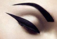 Eye liner/ eye shadow