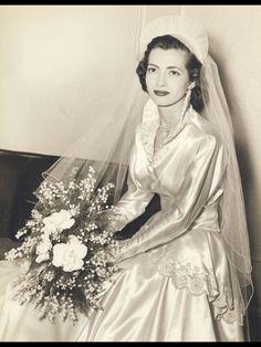 Clara's Wedding, 1950 - Wedding Photos Vintage Wedding Photos, Vintage Bridal, Vintage Weddings, Wedding Pictures, Bride Gowns, Wedding Gowns, Wedding Album, 1950 Wedding Dress, 50s Wedding