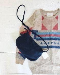 Willemijn van Dijk leather bag + Maison Scotch knit #kolifleur #autumn #bag #cozydays  by @weirdnomad