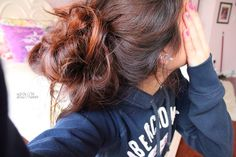I love messy buns but I think my hair is too heavy for this.  So cute!