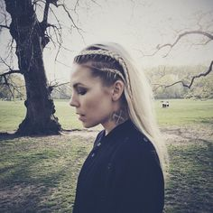 Love Skylar Grey's new hair color
