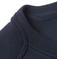 Belstaff Chanton' sweatshirt is detailed with ribbed panelling – a testament to the label's illustrious motorsport heritage. Techniques Textiles, Fashion Moda, Womens Fashion, Fashion Details, Fashion Design, Inspiration Mode, Mens Activewear, Weekend Outfit, Knitwear