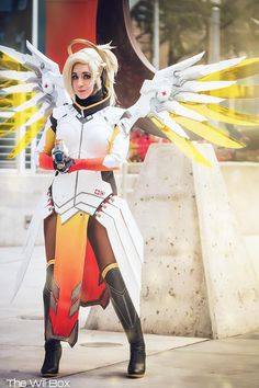 Read 'Em And Reaper: Point Your Lookin Orbs At This Overwatch Cosplay