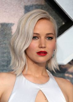 Jennifer Lawrence's Beauty Through the Years-Jennifer Lawrence's Best Beauty Looks