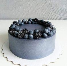 Black Wedding cake // mentions J'aime, 89 commentaires – ТОРТЫ, . - Cakes I want to make - Gateau Food Cakes, Cupcake Cakes, Baking Cupcakes, Pretty Cakes, Beautiful Cakes, Amazing Cakes, Macarons, Deco Fruit, Fruit Cake Design