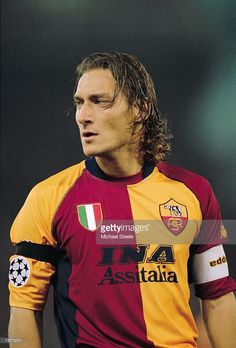 Francesco Totti of AS Roma in action during the UEFA Champions League Group A match against Real Madrid played at the Stadio Olimpico, in Rome, Italy. Real Madrid won the match 2-1. \ Mandatory Credit: Michael Steele /Allsport