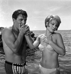 Finos Film - Photo Gallery Ταινίας: 'Ραντεβού Στον Αέρα' (1966) Greece Pictures, Old Pictures, Greek Model, Old Greek, Greek Beauty, Black And White Face, Actor Studio, Sophia Loren, Old Movies
