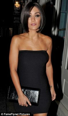 The Saturdays Frankie Sandford Spices up her life as she dresses as Posh for fancy dress party Latest Short Hairstyles, Long Bob Hairstyles, Haircuts, Front Hair Styles, Medium Hair Styles, Hair Front, Posh Spice Hair, Celebrity Bobs, Frankie Sandford