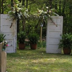 Outside Country Wedding | Old doors at outside country wedding | Wedding Ideas