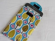 I think this is the one kindle cover I'm going to make if I can figure out the directions--great fabric too!