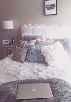 grey bedding | this would be perfect for a dorm room! So cozy