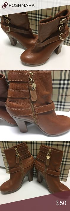 👢NWOT JUICY COUTURE LEATHER BOOTS 👢 Stunning juicy culture leather platform boots Gold juicy heart detailing beautiful quality leather boots inner ankle zipper Juicy Couture Shoes Ankle Boots & Booties