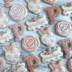 🤰Baby Brunch for Penelope! Baby Cookies, Flower Cookies, Baby Shower Cookies, Cute Cookies, Birthday Cookies, Cupcake Cookies, Sugar Cookies, Cupcakes, Fancy Baby Shower