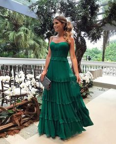 Spaghetti Straps Green Prom Dress with Tiered Sleeveless Long Party Dress Paris Chic, Casual Summer Dresses, Trendy Dresses, Green Long Dresses, Dress Summer, Green Maxi, Spring Summer, Party Gowns, Party Dress