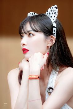 15 Insanely Beautiful Girl Group Makeup Ideas To Try Out At . Triple H, Kpop Girl Groups, Kpop Girls, Uee After School, Seungyeon Kara, Hyuna Kim, Rapper, E Dawn, Pop Idol