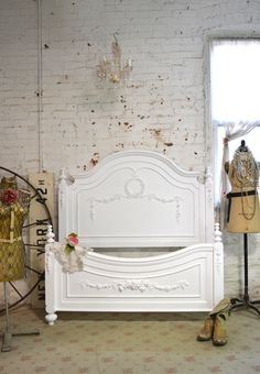 Painted Cottage Romantic French Bed [LGCHAR] - $795.00 : The Painted Cottage, Vintage Painted Furniture