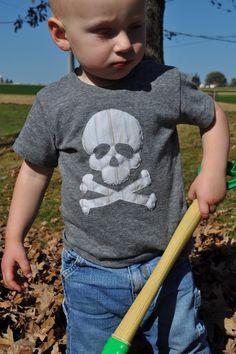 Skull and crossbone tee
