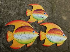 Peacock Painting, Stencil Painting, Painting On Wood, Painted Bags, Painted Rocks, Transfer Images To Wood, Fish Plate, Wooden Fish, Ceramic Fish