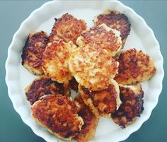 Fiskefrikadeller – luksus fiskedunser | Urban Mad Cauliflower, French Toast, Vegetables, Breakfast, Ethnic Recipes, Urban, Hygge, Morning Coffee, Cauliflowers