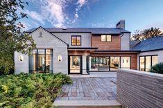 stunning home exterior Modern Farmhouse Exterior, Dream House Exterior, Transitional House, House Extensions, House Goals, Exterior Design, Custom Homes, Future House, Facades