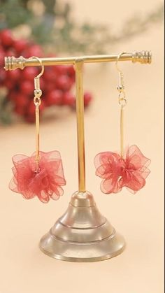 Good idea to DIY simple & beautiful earrings at home. Diy Earrings And Necklaces, Diy Earrings Easy, How To Make Earrings, Diy Necklace Cards, Diy Earring Cards, Diy Earrings Tutorial, Diy Earrings Studs, Handmade Wire Jewelry, Diy Crafts Jewelry