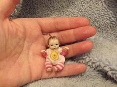 Miniature handmade MINI BABY GIRL TINY ooak DOLLHOUSE ART DOLL ARTIST DOLLSHOUSE